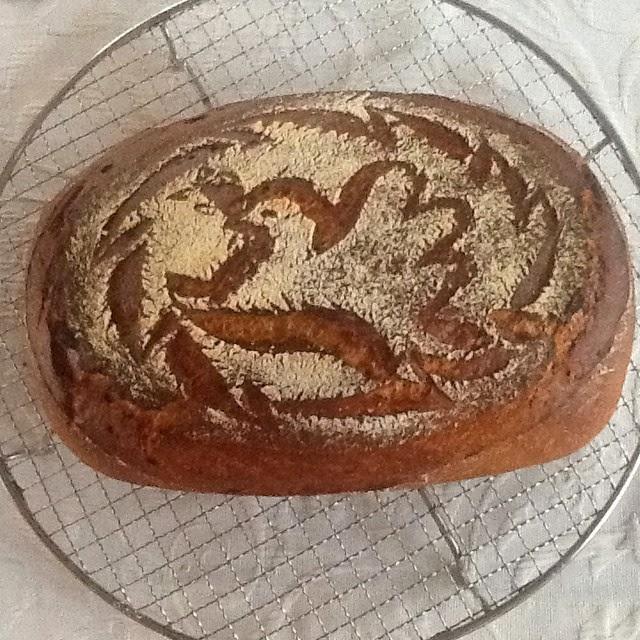 Brot mit Friedenstaube