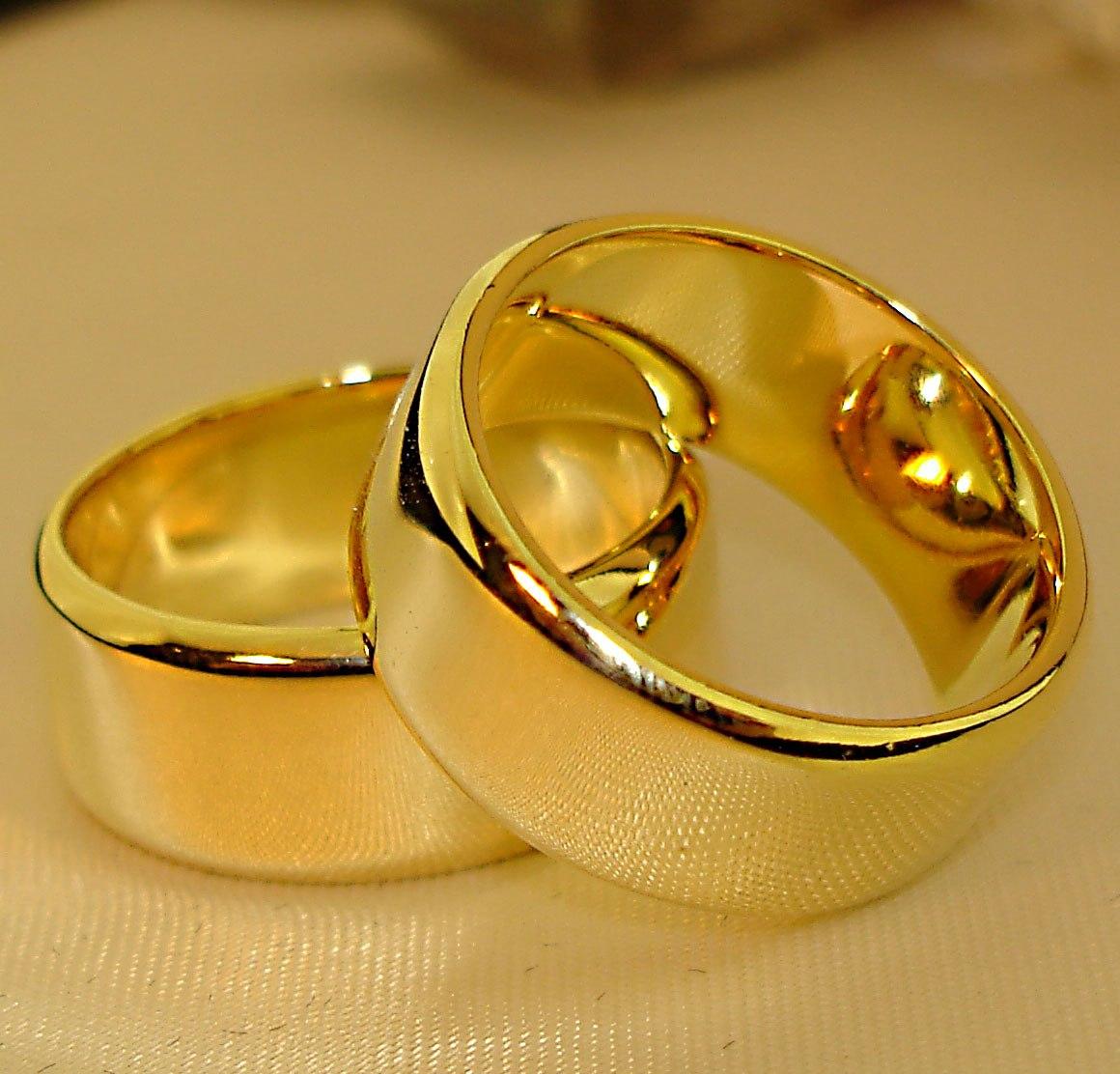 ... Ouro 18k BELOVED Allianze Alianças de Casamento Quadrada Rei das  Aliancas - alianças de casamento quadradas bc2ac79b3d