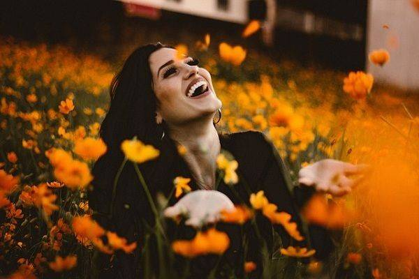 Gak Melulu Uang, 5 Hal Ini pun Membawa Kebahagiaan dalam Hidupmu