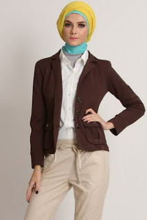 Model Baju Kerja Blazer untuk Wanita Muslim