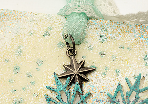 Layers of ink - Heat Embossed Snowflake Tag with Dome Tutorial by Anna-Karin Evaldsson. Christmas adornment.