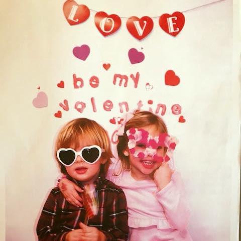 Wszystkiego najlepszego z okazji Walentynek życzą Leonore i Nicolas!