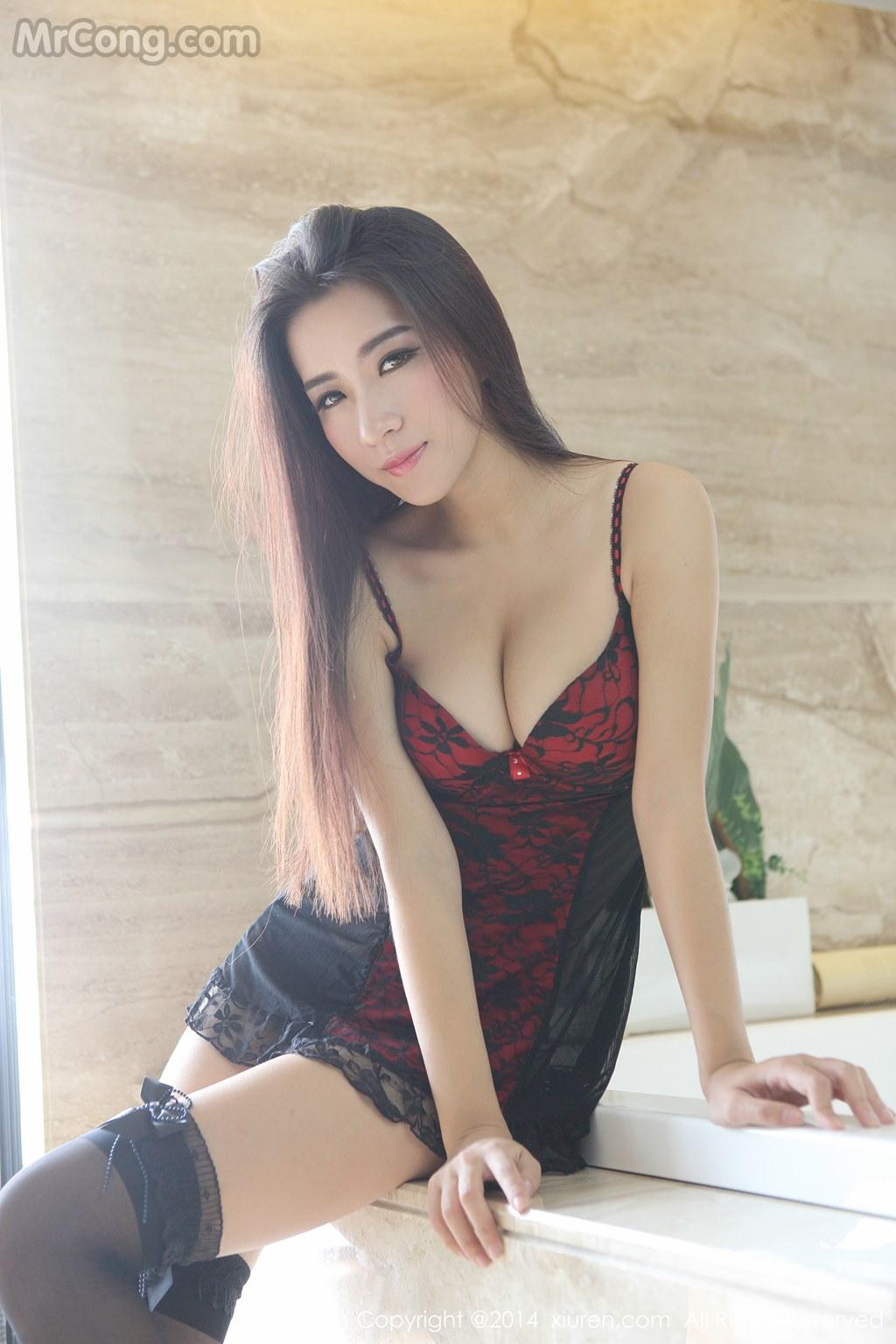 Image MrCong.com-XIUREN-No.258-Kitty-Xiao-Xi-012 in post XIUREN No.258: Người mẫu Kitty (小夕) (61 ảnh)
