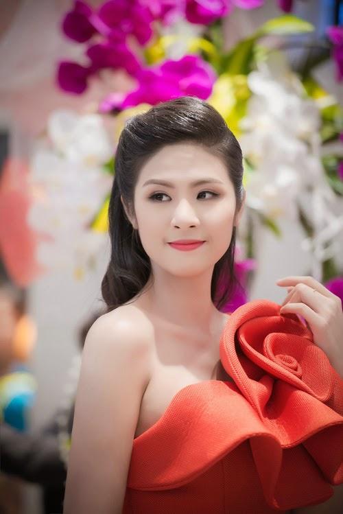 Ngắm vẻ đẹp của hoa hậu Kỳ Duyên