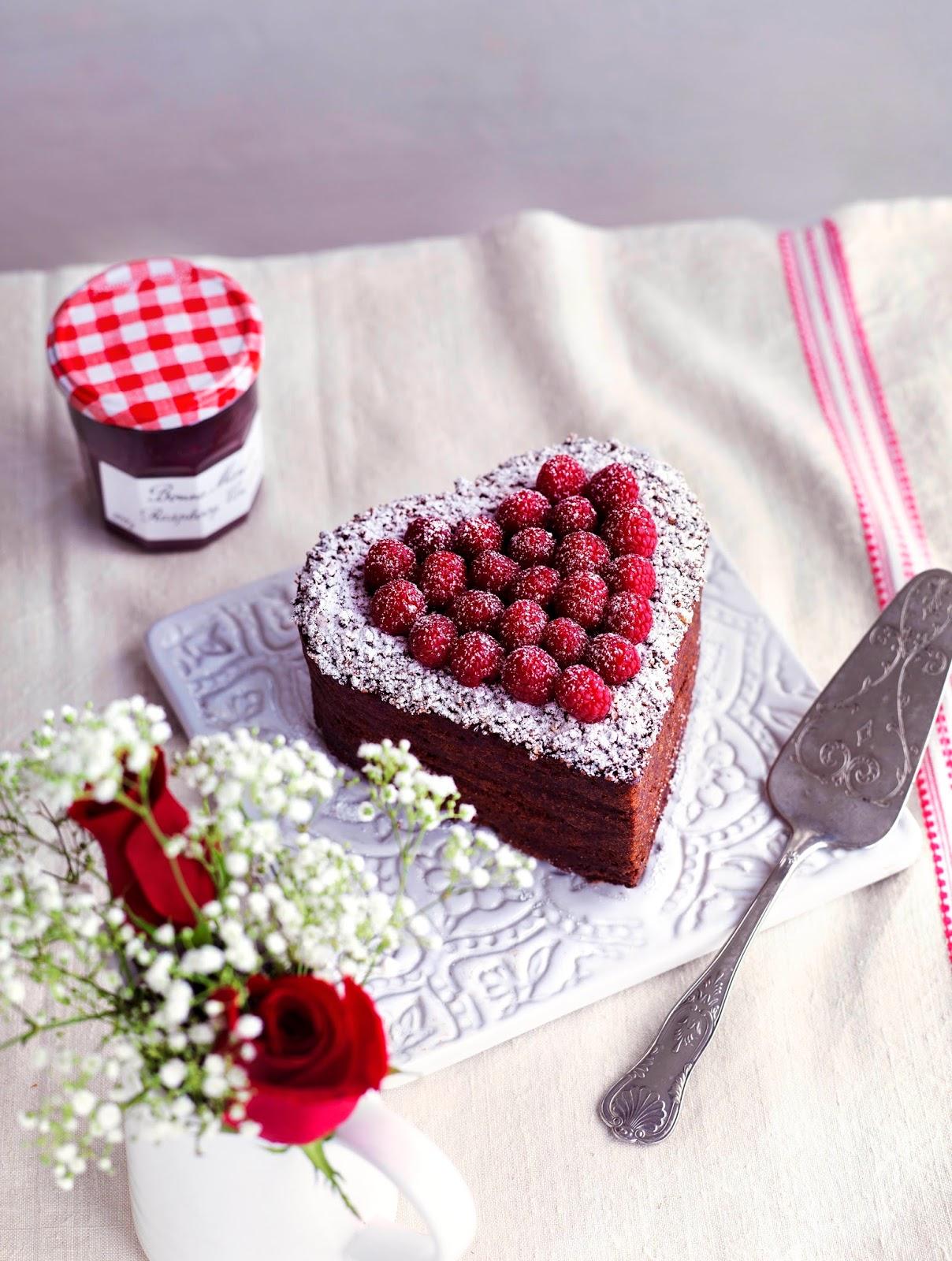 Gateau au Coeur de Chocolat: Valentines Cake