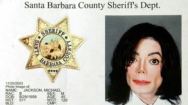 Hallan una extensa colección de pornografía infantil en el rancho de Michael Jackson en California