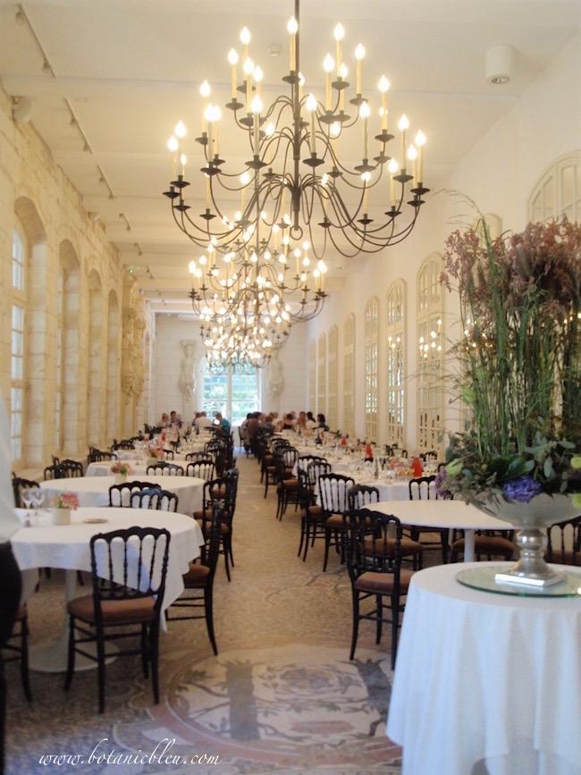 l-orangerie-restaurant-château-interior