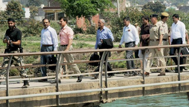 GOVT THROWS OUT PAK PROVIDES DETAILS REGARDING PATHANKOT JIT, ANTICIPATES ISLAMABAD'S RESPONSE - NEWS IN INDIA