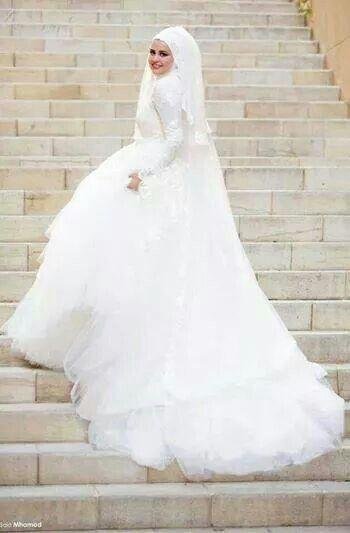 f8e16c44b فساتين زفاف للمحجبات , صور فساتين عرس محجبات 2017 , فساتين زفاف اسلامية