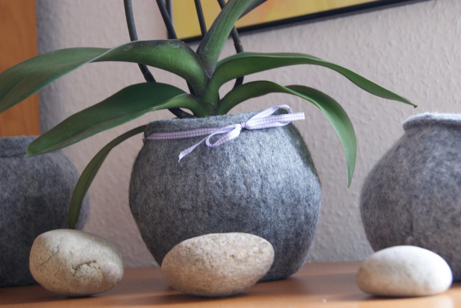 Filz und garten gartenblog filzblumentopf im landhausstil for Blumentopf landhausstil