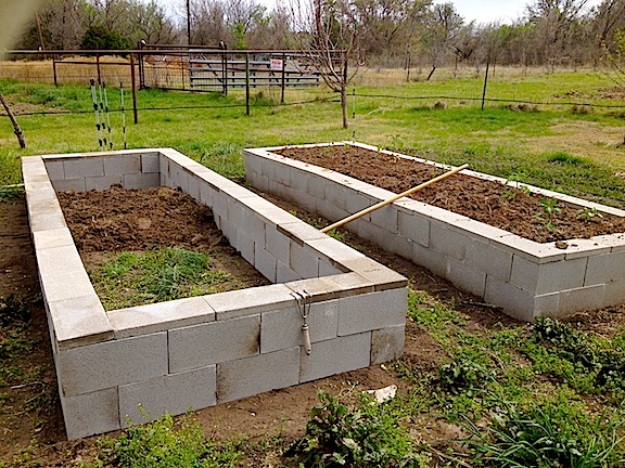 how to build a raised vegetable garden with bricks