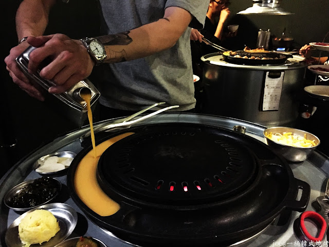 IMG 4239 - 【台中美食】好想念韓國的燒肉啊!!!『一桶韓式燒烤』讓你重溫韓國燒肉的舊夢阿!!!@一桶@韓式燒烤@油桶燒烤@烤蛋@起司@五花肉