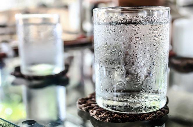 Dampak Buruk Minum Air Es, Air Es