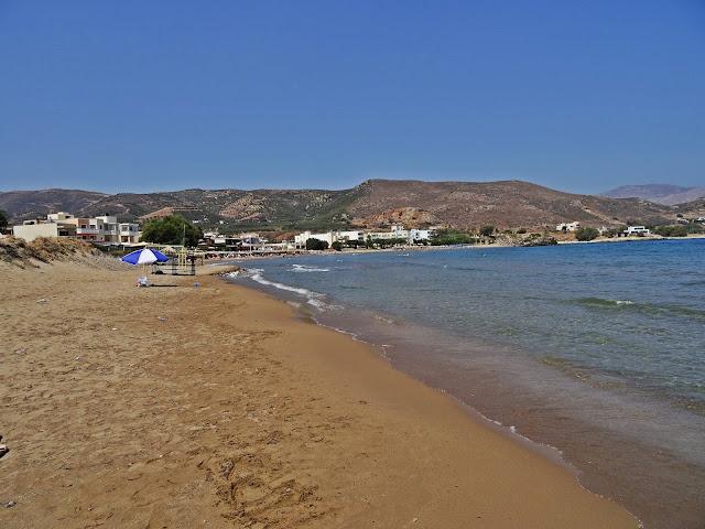 Kissamos plaża w szycie sezonu lipiec-sierpień