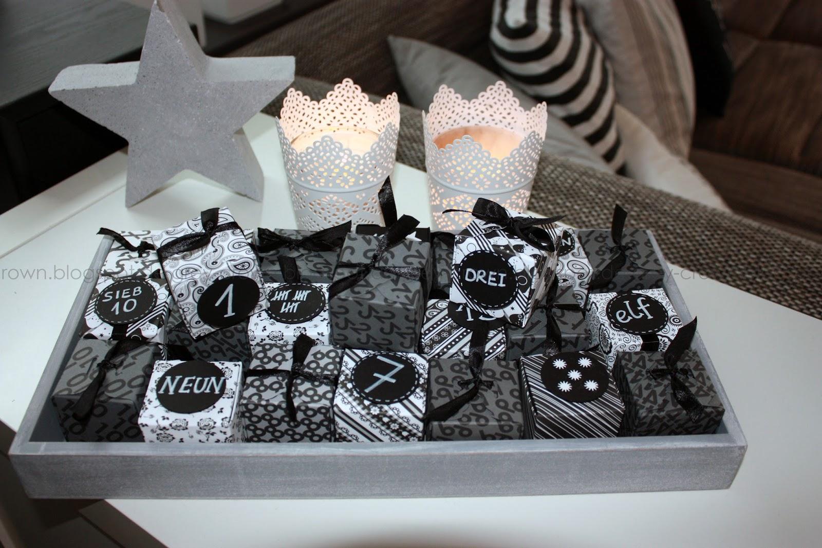 grey crown weihnachtliches wohnzimmer. Black Bedroom Furniture Sets. Home Design Ideas