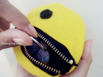 Cara Membuat Dompet Pacman Lucu dari Kain Flannel