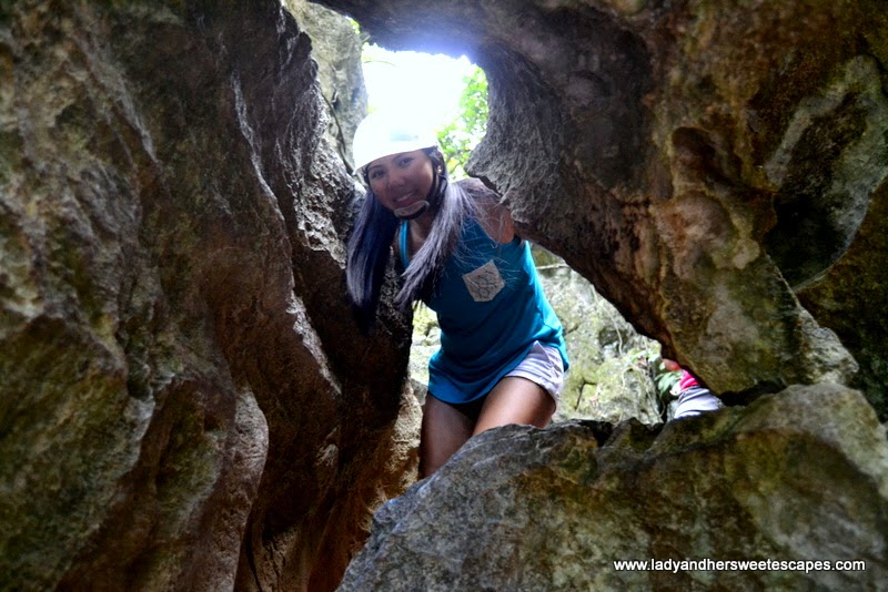 narrow passageway at Ugong Rock Adventure