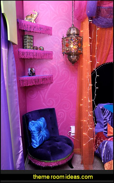 Moroccan style decorating - Jeannie bedroom harem style - Arabian Nights theme bedrooms