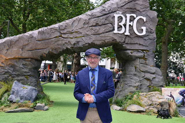 the bfg photo steven spielberg