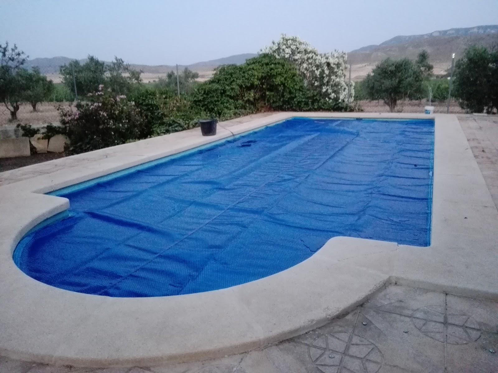 Mantas termicas para piscinas mantas termicas para piscinas - Burbujas para piscinas ...