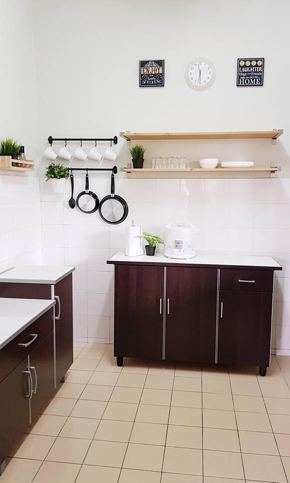 Ruang Dapur Dengan Dekorasi Moden Kotemporari