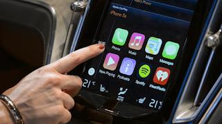 Mobil pertama yang dilengkapi dengan Teknologi Android Auto adalah Hyundai Sonata dengan Navigation 2015