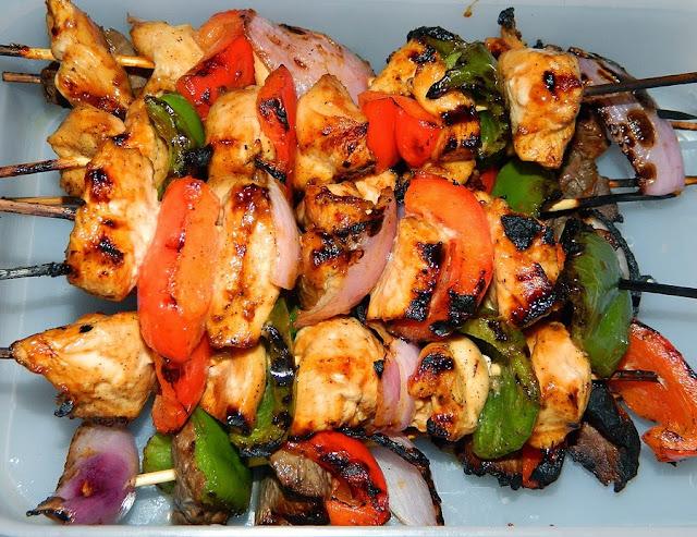 Chicken Kabob and vegetables in wood skewers Chicken Shish Kabob Recipe! Turkish Style Chicken Kabob