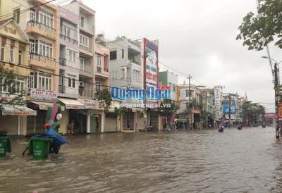 Quảng Ngãi: Mưa lớn, lũ trên sông Vệ và sông Trà Câu sẽ vượt báo động 3