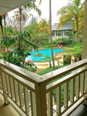 kolam renang hotel sheraton Bandung, Indonesia