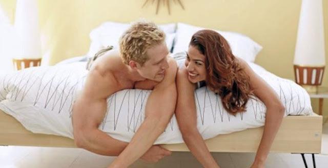 Aider sa femme à éteindre l'orgasme