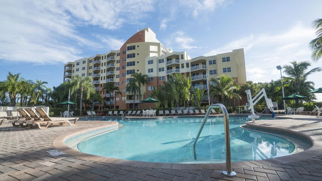Vacation Village at Weston offers an upscale community that thrives on golf, tennis, and spas, located between the raw natural beauty of Florida's Everglades and Fort Lauderdale's beaches, restaurant scene and vibrant nightlife.