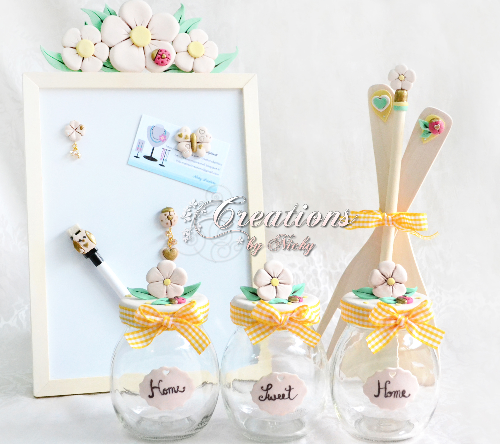 Set da cucina decorato a mano con motivo floreale for Lavagna thun