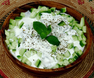Cucumber Salad with Yogurt (Yogurtlu Salatalik)