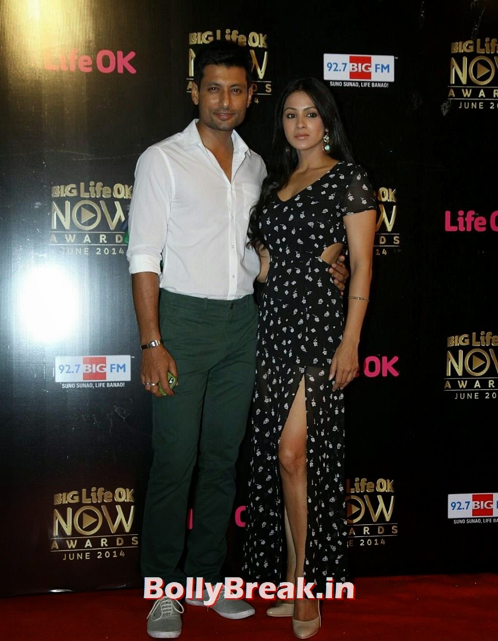 Barkha Bisht  in leg cutting dress at Life Ok Now Awards 2014, Barkha Bisht Latest Hot HD Pics from Life Ok Now Awards 2014