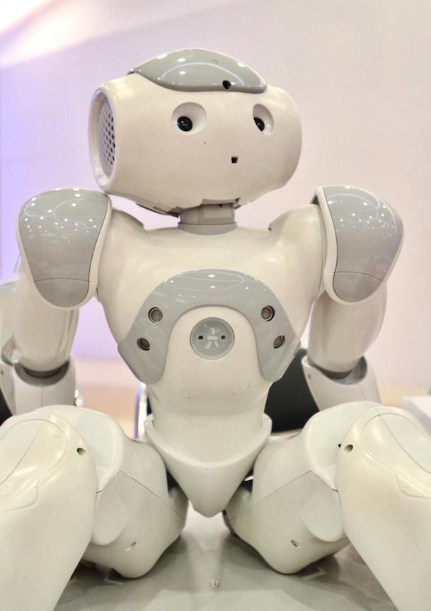 Nau-robot-Perancis