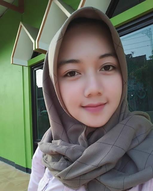 Beautiful And Elegant Hijab Celebrities