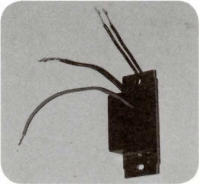 Instalaciones eléctricas residenciales - Colocando cables del dimmer