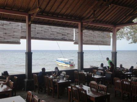 Lovina Beach Restaurant Lunch Break