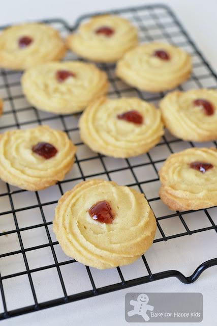 nyonya butter cookies biscuit samprit biskut ceri