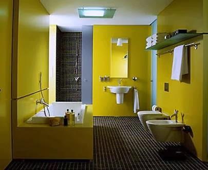 Baño marrón amarillo