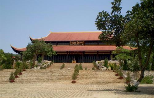 Hình ảnh Thác Voi – chùa Linh Ẩn ở Đà Lạt