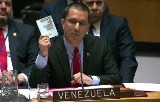 """Arreaza en la ONU denuncia golpe de Estado y afirma """"¡Venezuela es irrevocablemente libre!"""""""