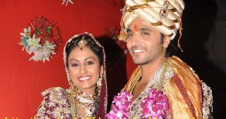 how did ashish sharma and archana taide meet the browns