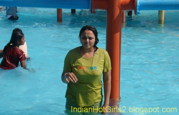 Sexy pics of pakistani girls in water park commit error