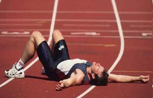 pelatihan Cardio melibatkan aktivitas apapun yang memerlukan penggunaan kelompok otot besar tubuh secara teratur dan tidak terputus.
