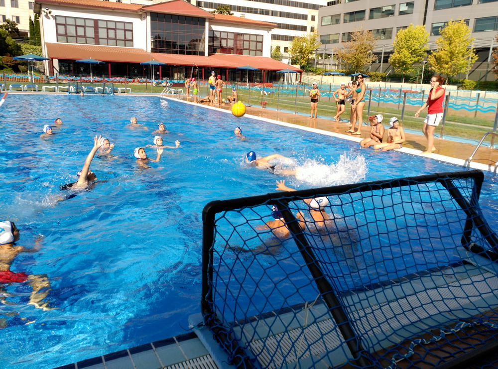 Waterpolo pontevedra blog el campus marina casado se for Piscina campolongo