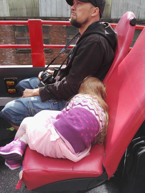 Belfastin nähtävyydet turistibussista ja Belfast lasten kanssa
