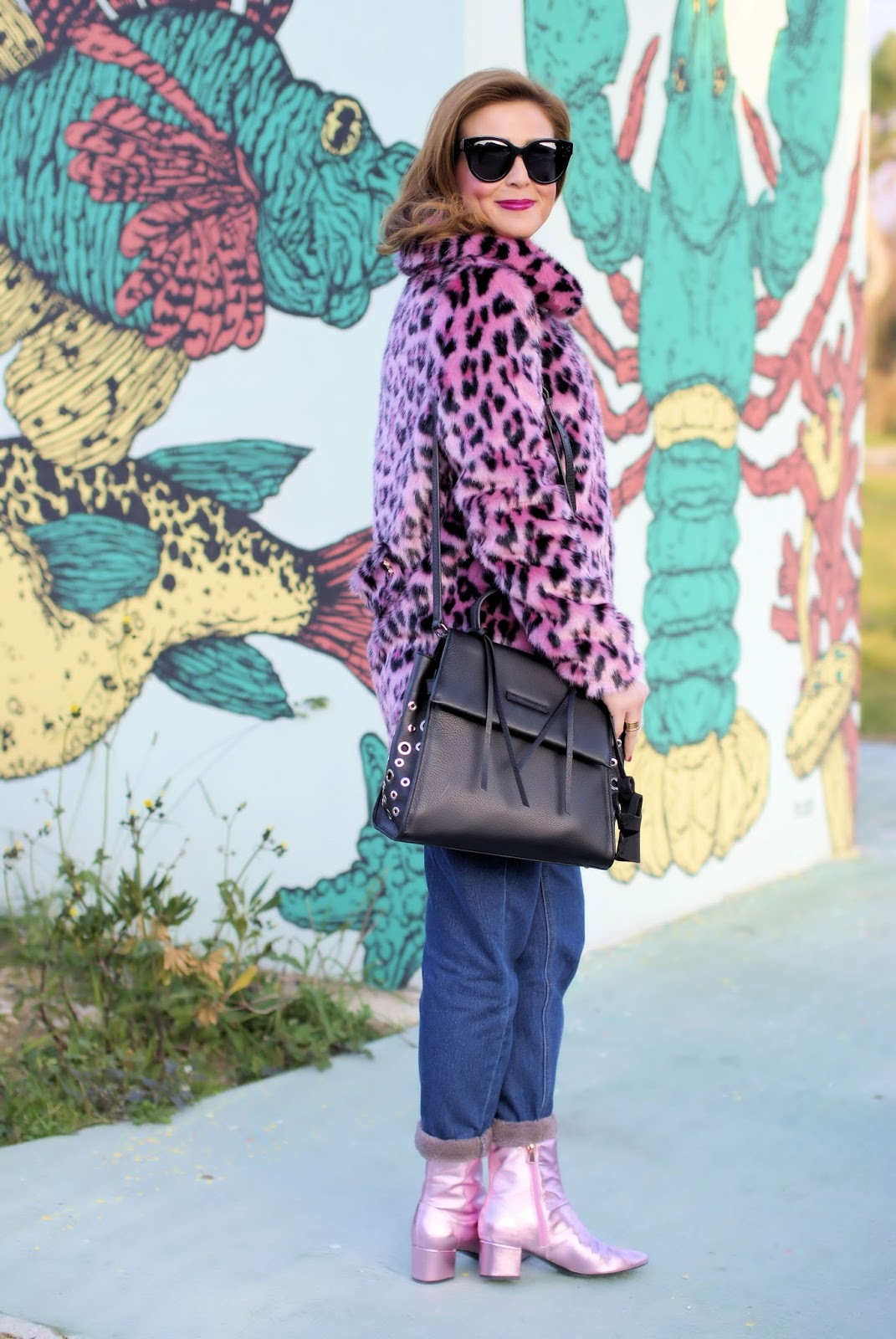 How to wear pink in the Winter: PINKO pink leopard faux fur jacket on Fashion and Cookies fashion blog, fashion blogger style