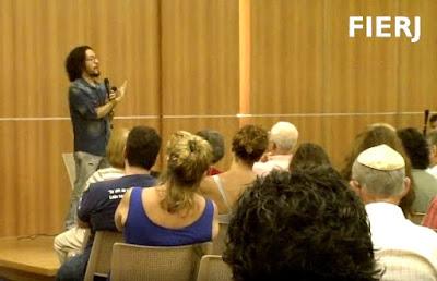 Deputado Jean Wyllys fala a comunidade judaica do Rio de Janeiro