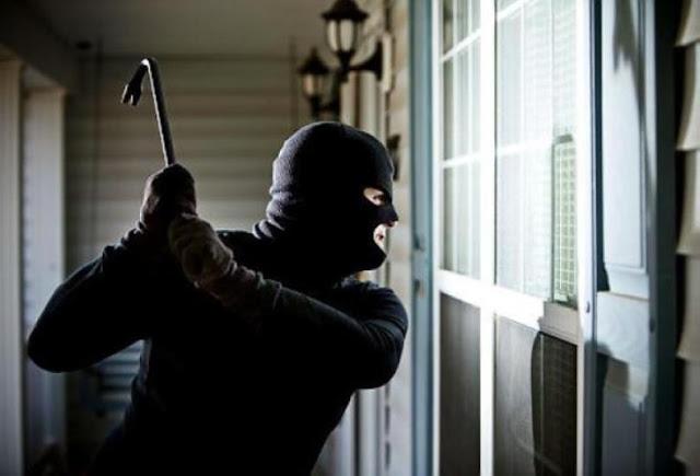 بعد أن كانت الأقفال اللامعة زينة ,أبواب مصفحة أنيقة لمكافحة السرقة في السويداء!!